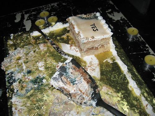 hmm, do people love cake?