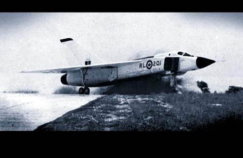 1958. június 11. a futómű-vezérlő szerkezet meghibásodása miatt történt baleset a leszállás során