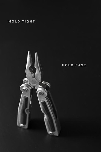 hold on-8596