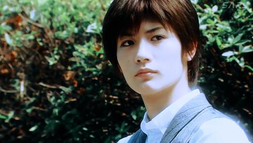 Miura Haruma as Yukawa Sensei Junior. Cocok nggak? :D