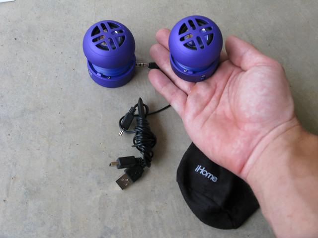 Ihome HM77 Capsule Speakers