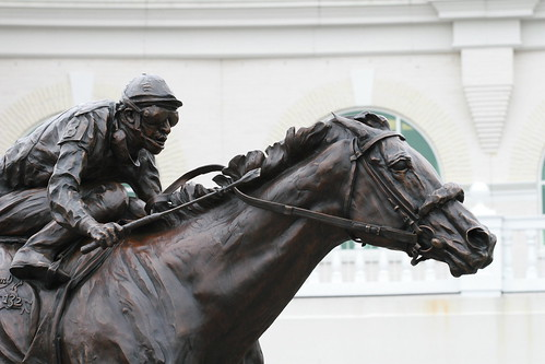 Barbaro Statue @ Churchill Downs