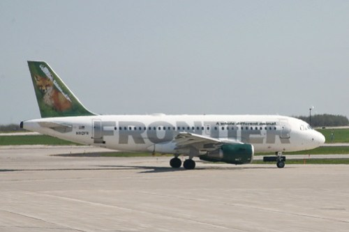Frontier Airlines (by cliff1066™)