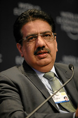 Vineet Nayar - World Economic Forum Annual Mee...