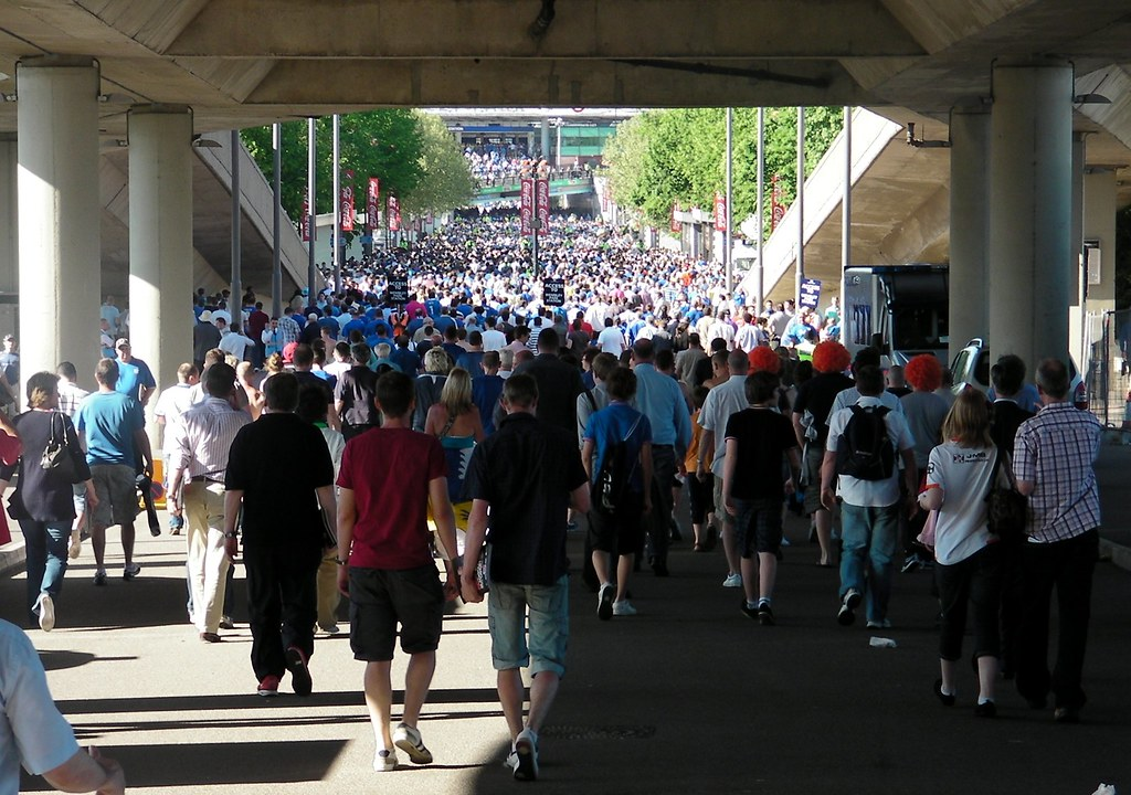 Wembley-Blackpool v Cardiff-Mass exodus begins