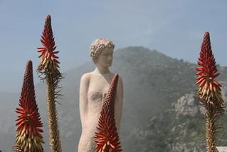 Eze jardin exotique standbeeld vrouw Jean Phil...
