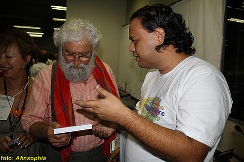 O afinado Peterson Colares numa conversa com Leonardo Boff.