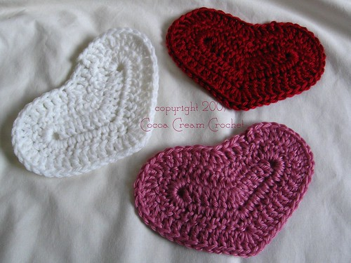 crochet heart from cocoa cream