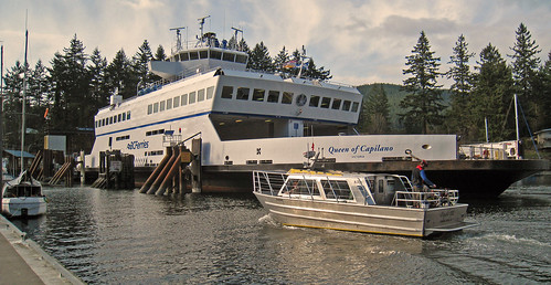 Ferry and Water Taxi 6765.jpg