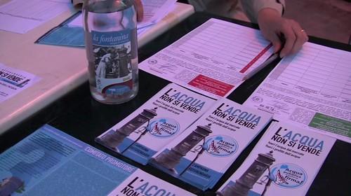 Raccolta firme Referendum contro la privatizzazione dell'acqua - 1 maggio 2010
