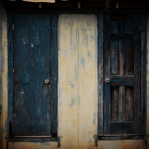Doors on the side of Cracker Barrel