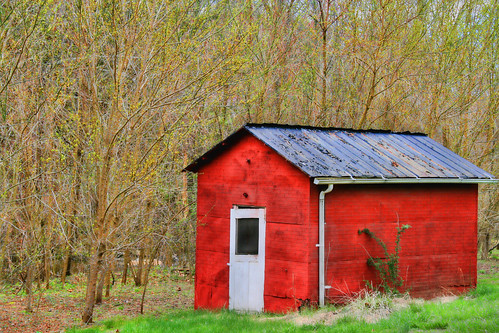 Simple Red Shed