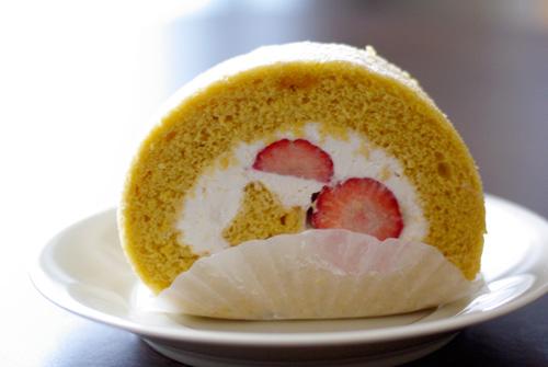 近藤洋菓子店-てんさい苺ロール