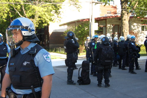 Riot police deployed throughout Point Saint-Charles 3