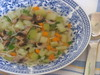 Пъстра пролетна супа с тиквички
