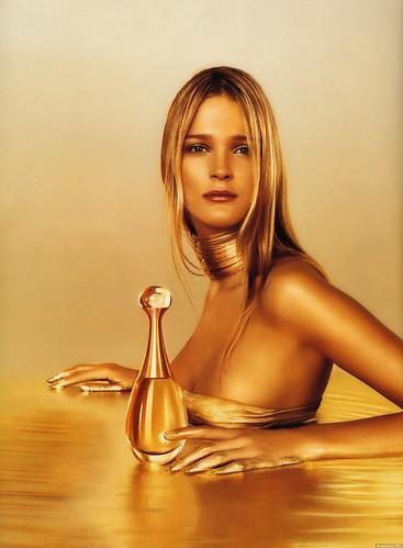 Carmen Kass - Dior (AD pic)