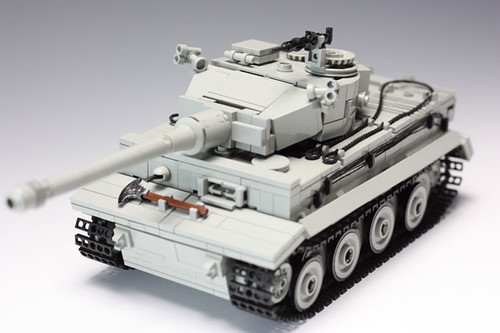 LEGO tank with full interior by mad_a0 | The Brothers ... Танк Белый Тигр Фото