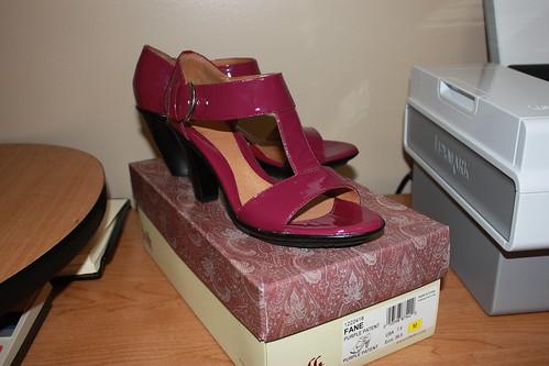 purple patent Fane by Sofftshoes