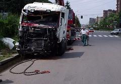 Milano - truck crash foto 3°