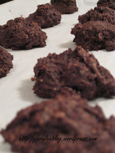 Sugar-free Chocolate and Jam Cookies