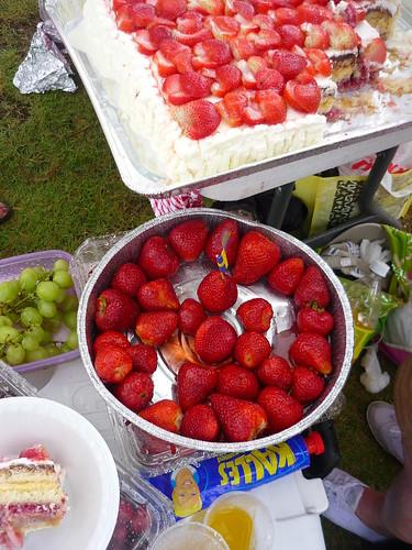 Midsummer strawberries and cake