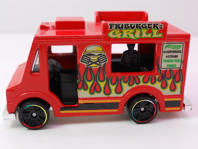 hot wheels ice cream truck red (2)