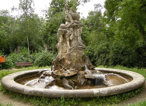 Brunnen auf dem Perelsplatz 2