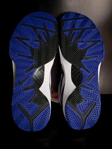 Kobe IV Shoe - White/Purple