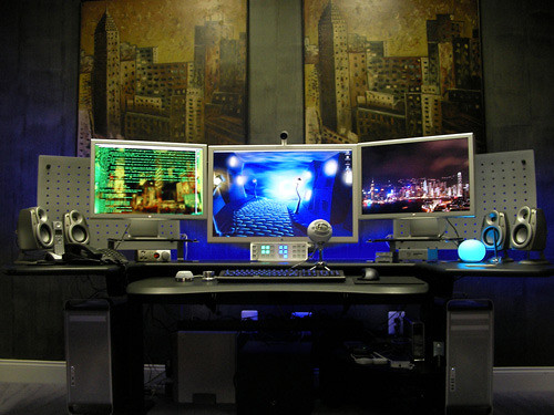 50 Greatest Computer Workstation PCMac Setups Hongkiat