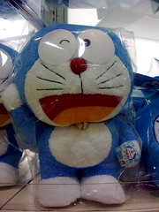 Doraemon raise the hand