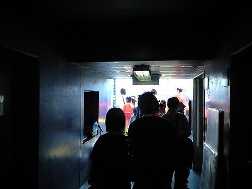 ダッグアウトへの通路@2009マンダリンパイレーツホーム開幕戦_ブロガー特別観戦ツアー_坊ちゃんスタジアム