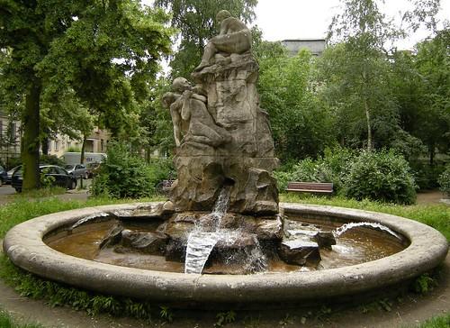 Brunnen auf dem Perelsplatz 3