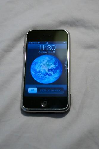 iPhone 2G 8GB Unlocked and Jailbroken