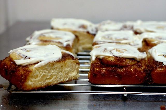 cinnamon buns with cream cheese glaze