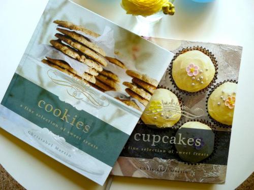Cookies & Cupcakes