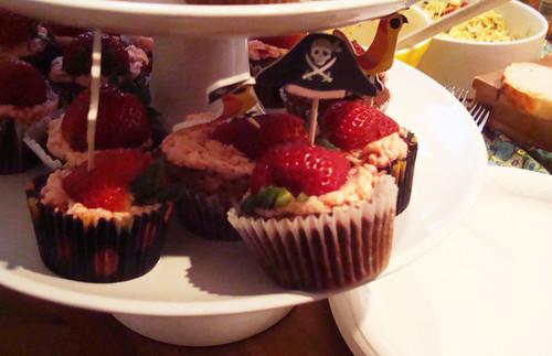 Strawberry chocolate cupcakes