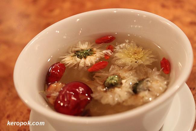 8 Teasure Tea /  Ba Bao Cha