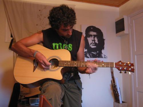 Josep demonstrates his guitar skillz