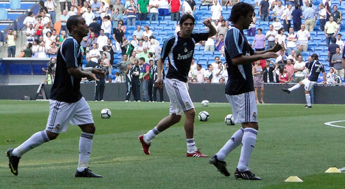 Raul pre-match warm-up
