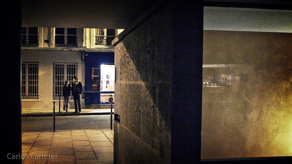 Frente a la Maison Européenne de la Photographie