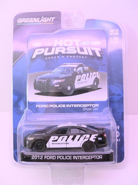 greenlight hot pursuit  2012 ford police interceptor show car  (1)