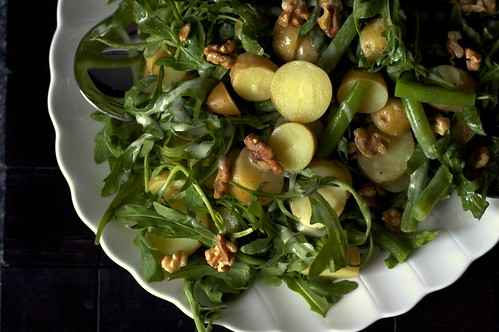 arugula potato and green bean salad with walnuts