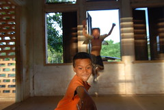 The boy in front was the one who was using my camera at the Groupe Scolaire de Champassak