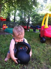 Sumo style kettle bell