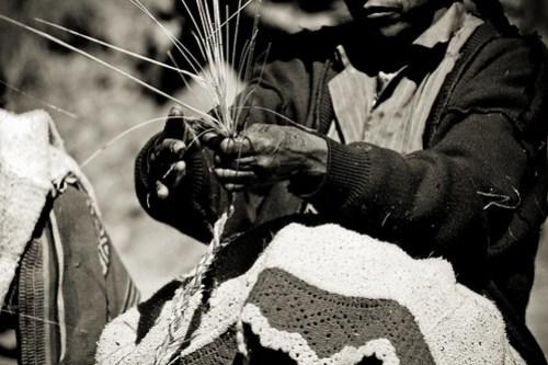 Keshwa Chaca weaving hands