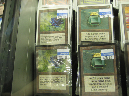 I had never seen Black Lotus (on the right) in person. ONE card cost about $899~$1800 (They are from a different edition)