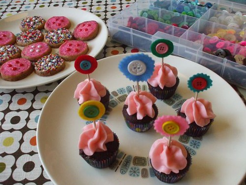 button cookies and cupcake toppers!