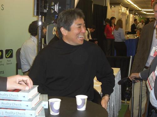 Guy Kawasaki signing books at SESNY 2009
