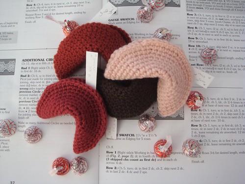 Very cute ~ Valentine Fortune Cookies!