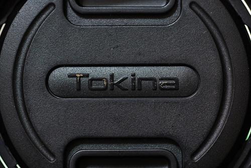 磨成這樣的 Tokina 字樣,之前的主人應該很常帶出門吧